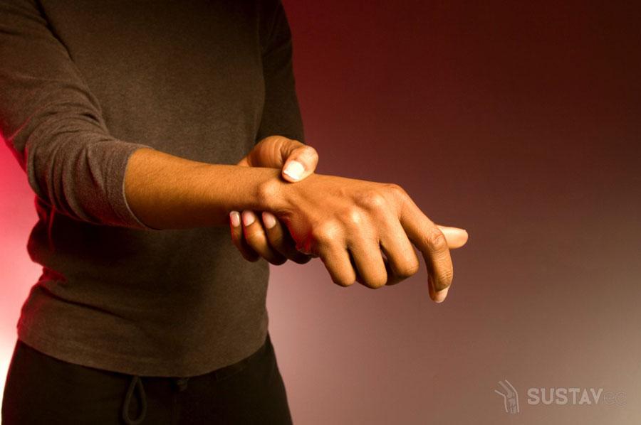 Почему дергается мышца на руке выше локтя? 39-3